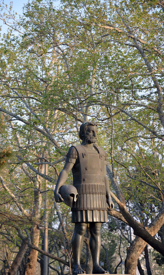 Staty av Philip II av Macedon i Thessaloniki royaltyfri fotografi