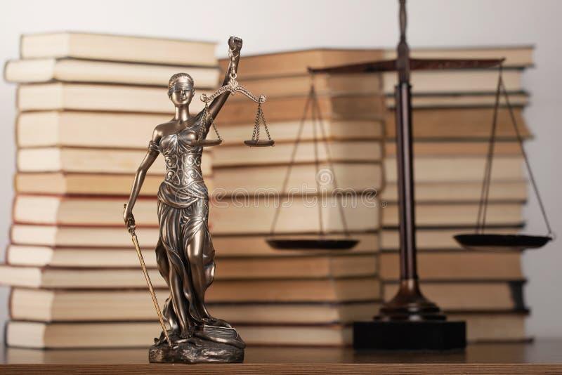 Staty av rättvisa och boken arkivfoto