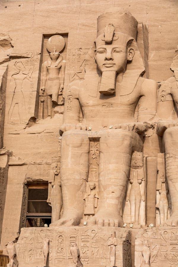 Staty av Ramesses det stort, Abu Simbel tempel, Egypten arkivfoto
