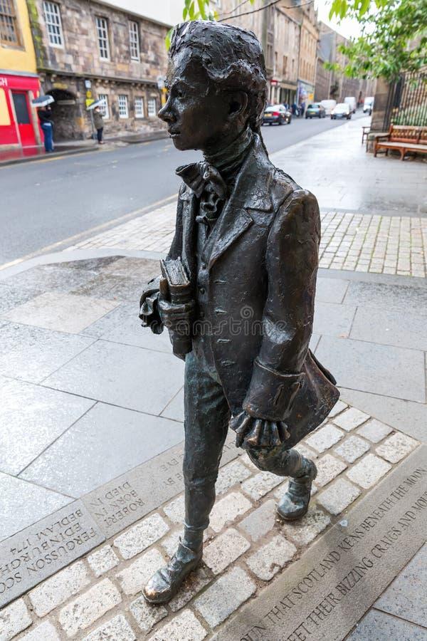 Staty av Robert Fergusson i Edinburg, Skottland fotografering för bildbyråer