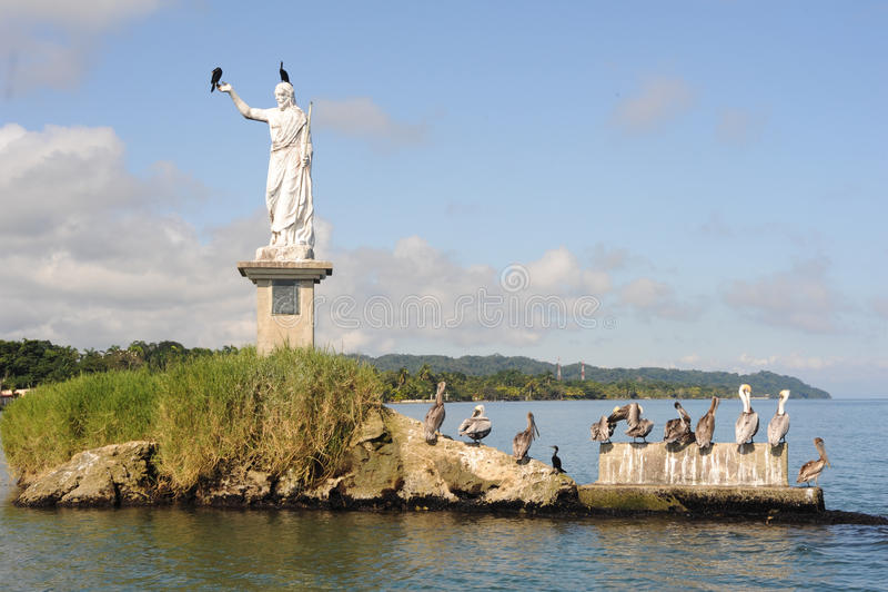 Staty av Salvador del mundo på kusten av Livingston arkivfoton