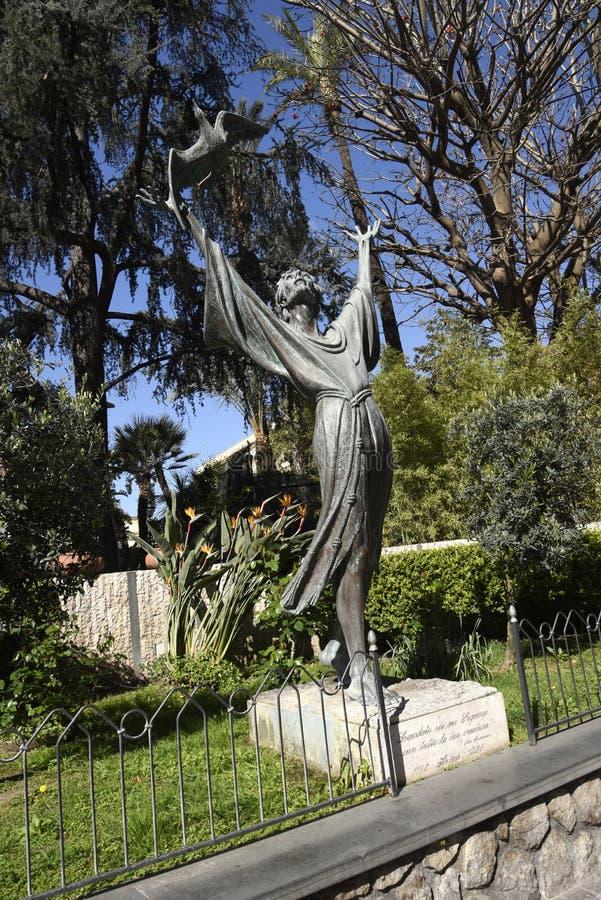 Staty av St Francis och fåglarna i Sorrento Italien arkivbilder