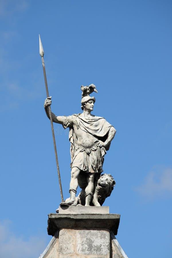 Staty av St Patrick på den Dublin slotten royaltyfria bilder
