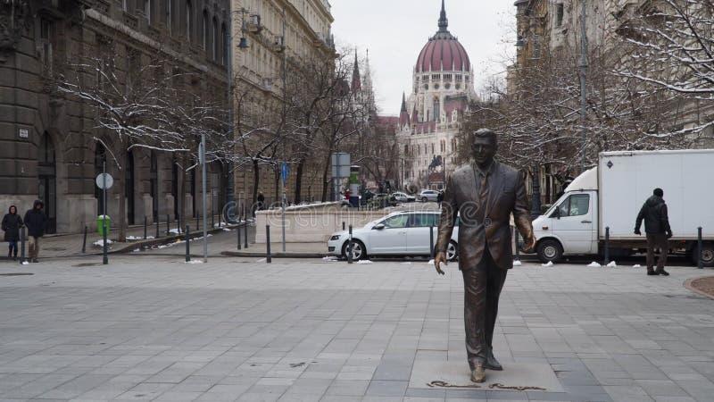 Staty av U S President Ronald Reagan i Budapest, Ungern arkivfoton