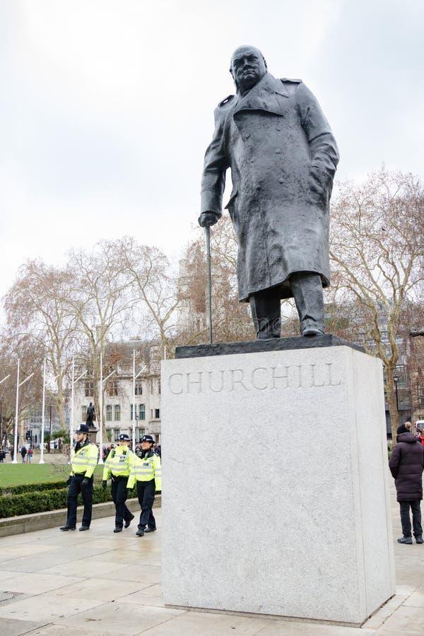 Staty av Winston Churchill, parlamentfyrkant, London royaltyfri foto