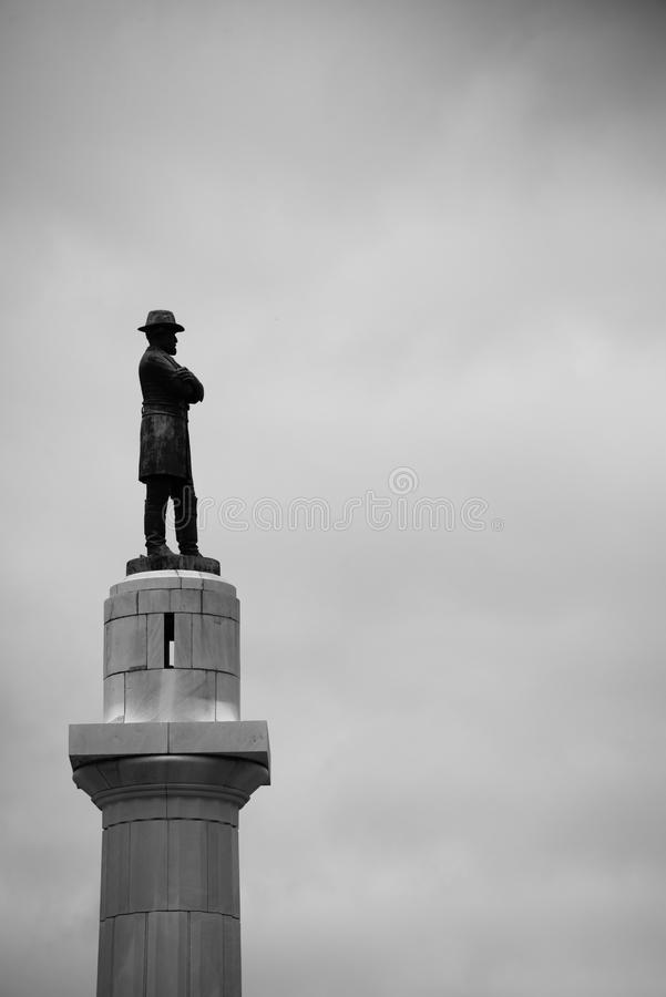 Staty för general Robert E Lee i New Orleans arkivbild