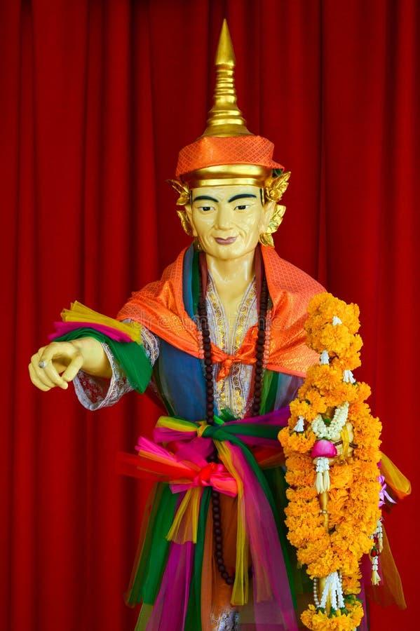 Staty för gud 'för Thep tunnajai '- i Wat Saman Rattanaram på Chachoengsao, Thailand royaltyfri fotografi
