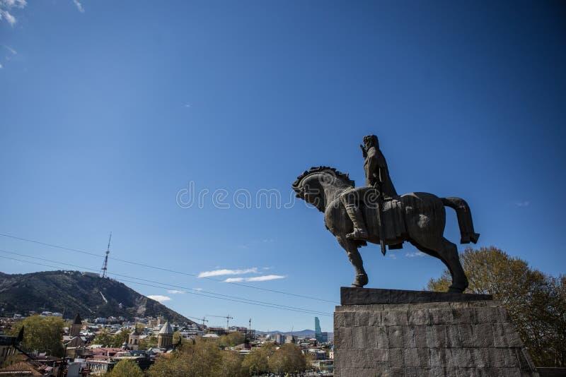 Staty för konung Vakhtang Gorgasali royaltyfria foton