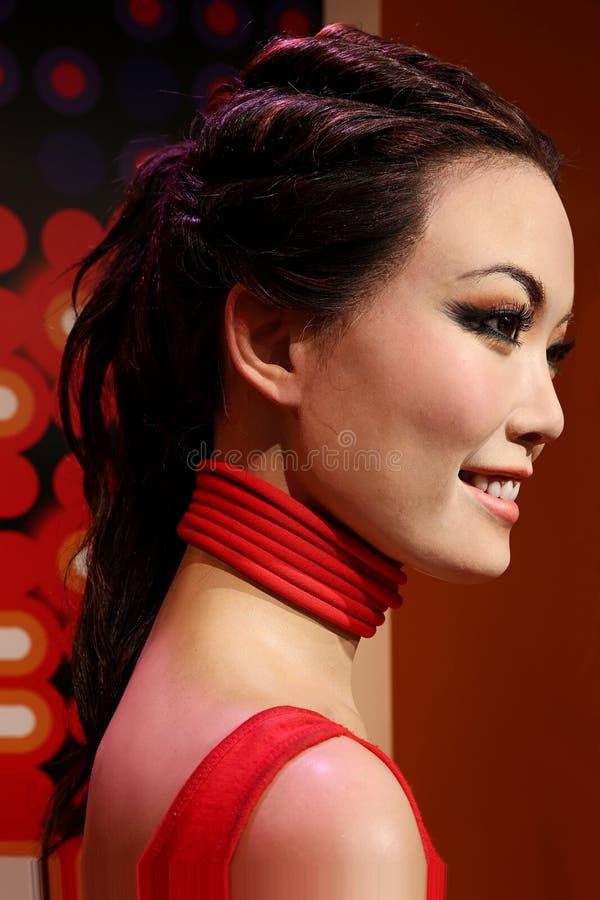 Staty för vax för yung för för Hong Kong sångare och aktris känguruunge på madamtussauds i Hong Kong royaltyfri foto