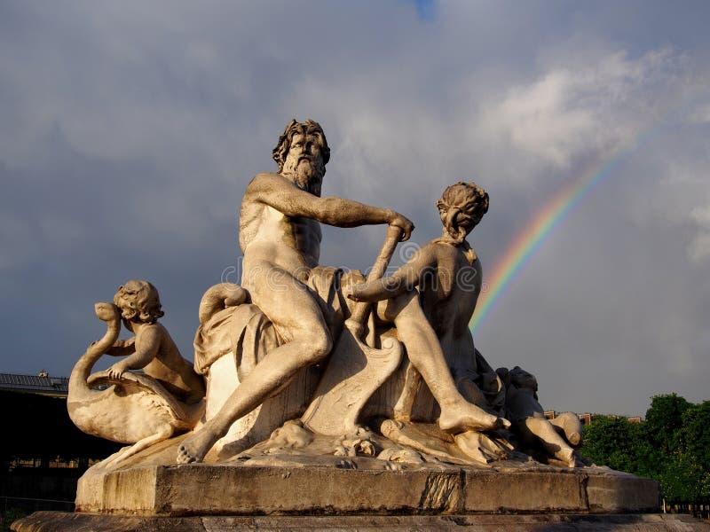 Staty i den Paris Tuileries trädgården royaltyfri foto