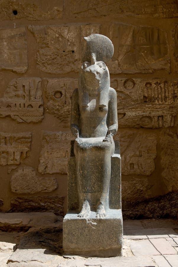 Staty i tempelet på Medinat Habu fotografering för bildbyråer