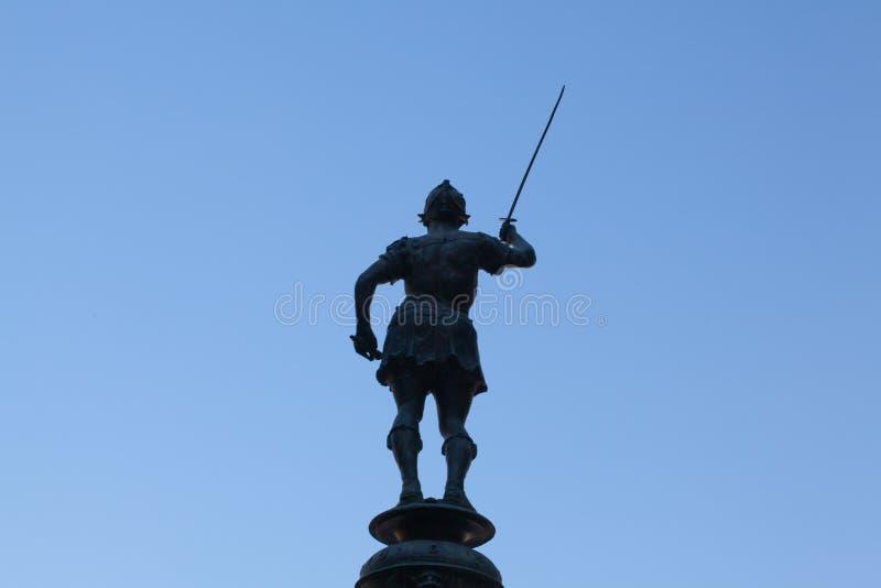 Staty på den Mercury springbrunnen på plazaen de San Francisco, Seville, Spa royaltyfria foton