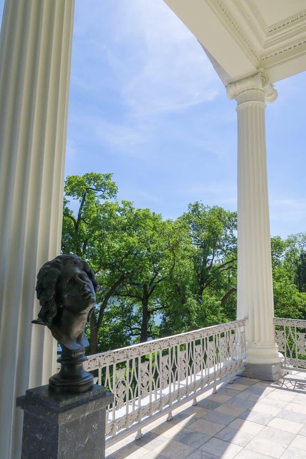 Staty på slott i Pushkin fotografering för bildbyråer