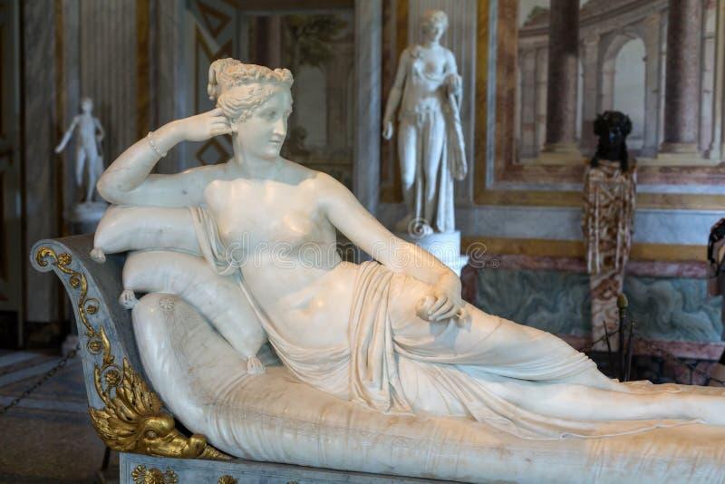 Staty Pauline Bonaparte av Antonio Canova i Galleria Borghese, Rome, royaltyfri fotografi