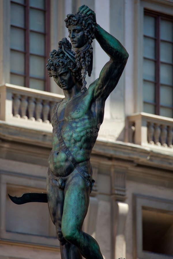 Staty Perseus för Florence Tuscany - Benvenuto Cellini ` s med arkivfoto