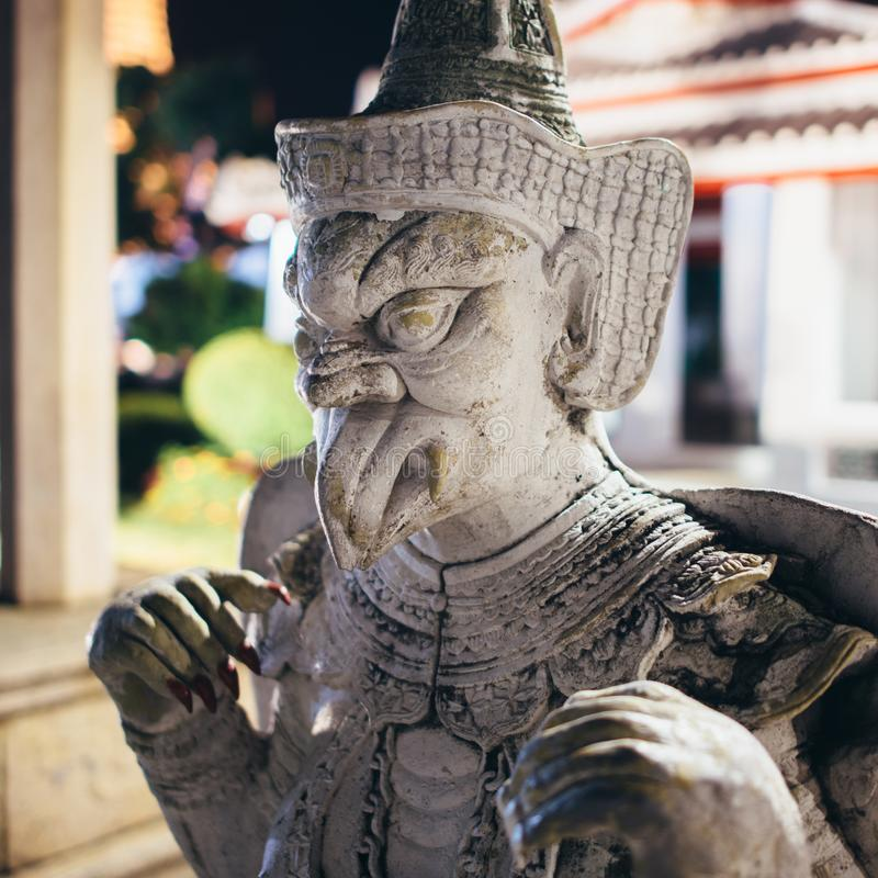 Staty skulptur på Wat Arun Temple bangkok thailand arkivbild