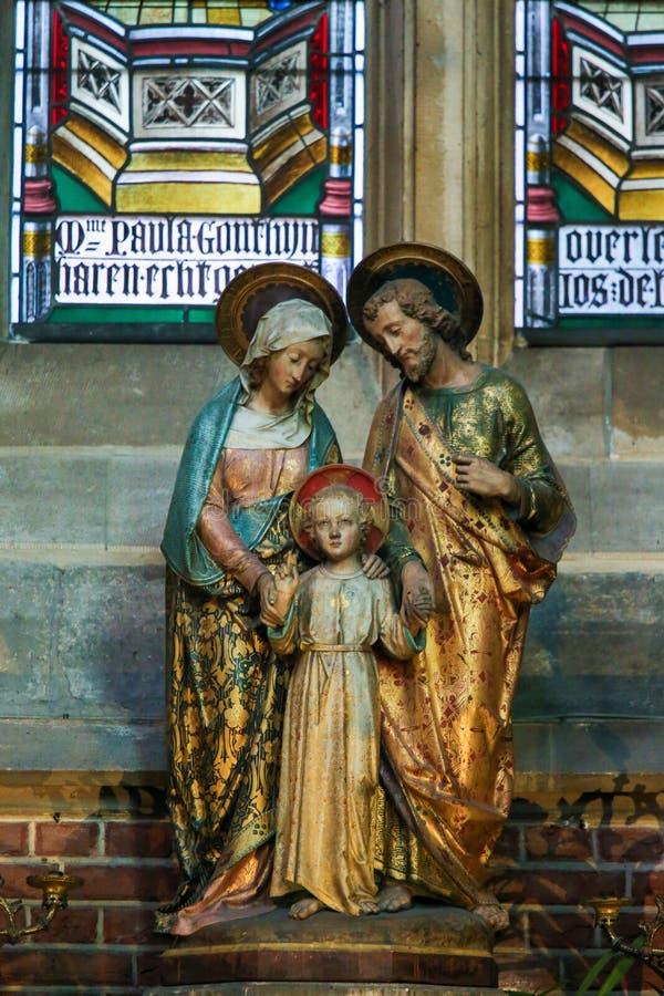 Statyer av modern Mary, barn Jesus och Joseph arkivfoto