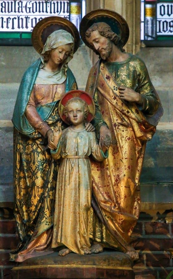 Statyer av modern Mary, barn Jesus och Joseph arkivbild