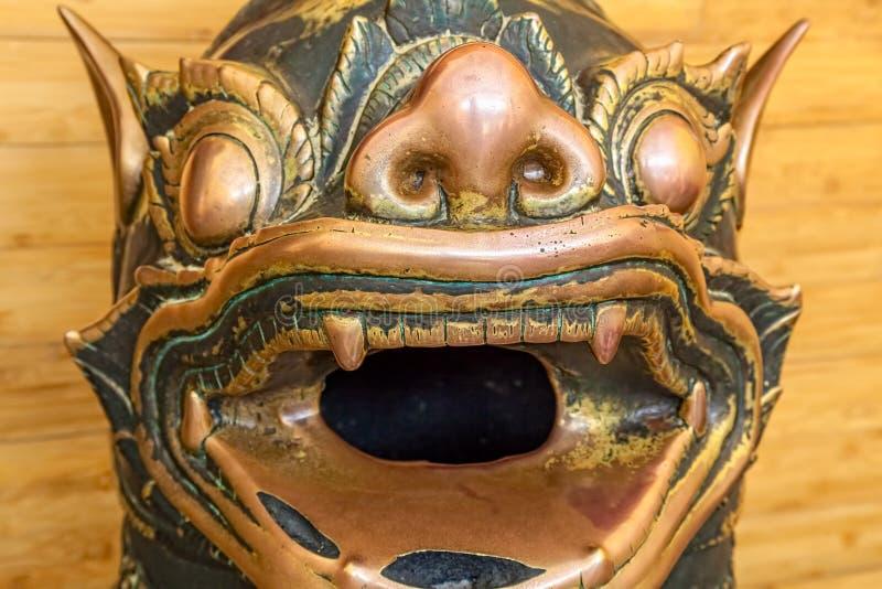 Statyer för Mahamuni en khmerbrons arkivfoton