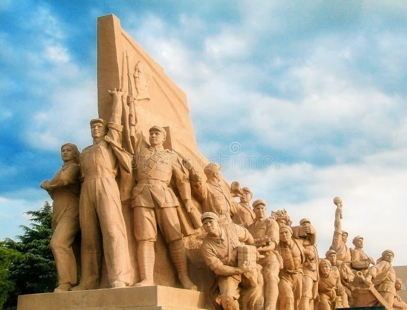 Statyer för röd armé i Peking arkivbild