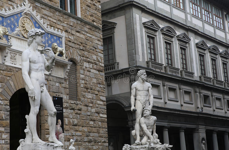 Statyer i piazzadellasignoriaen, Florence, Italien royaltyfria foton