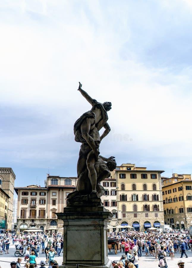 Statyer som lokaliseras i den Signoria för `-loggiadella `en i den fyrkantiga Signoria för `-piazzadella `en, royaltyfri bild