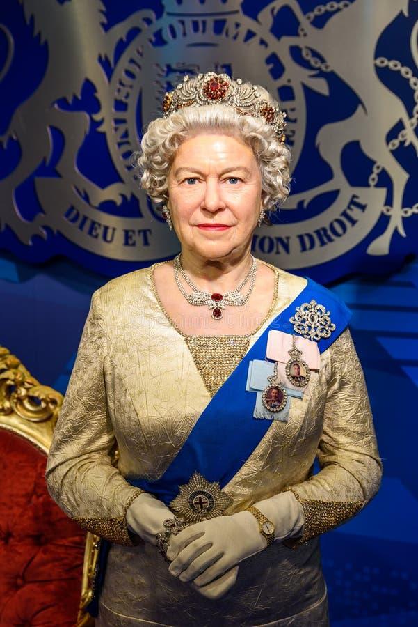 Statyett för drottning Elizabeth II på madamen Tussauds Wax Museum royaltyfria bilder