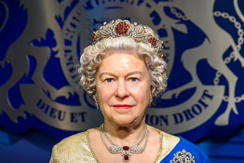 Statyett för drottning Elizabeth II på madamen Tussauds Wax Museum fotografering för bildbyråer