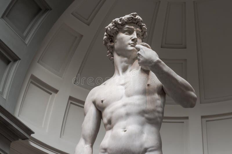 Statyn av David ?r en nedersta sikt utan turister arkivfoton