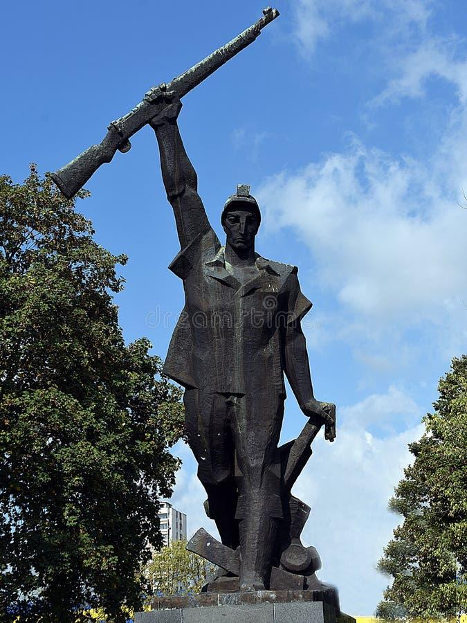 Statyn av den Husino gruvarbetaren fotografering för bildbyråer