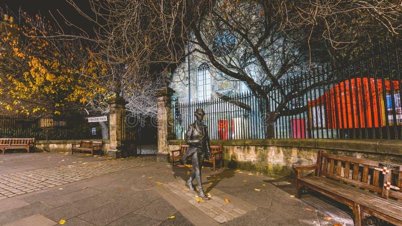 Statyn av den skotska poeten Robert Fergusson royaltyfria foton