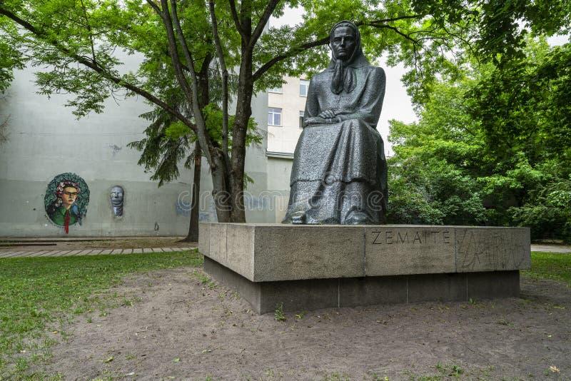 Statyn av Zemaite i Vilnius arkivbilder