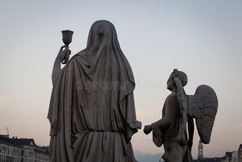 Statyn för helig gral royaltyfri fotografi