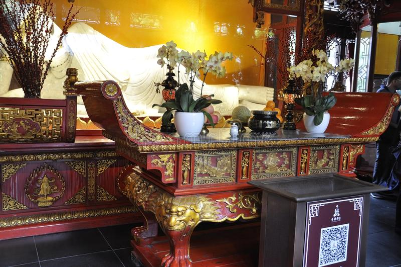 Statyn för jade för vilaBuddha den vita från den Jade Buddha Temple inre i Shanghai royaltyfri fotografi