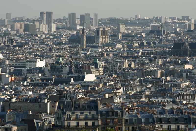 Staubiges panorma der Stadt Paris stockfotos