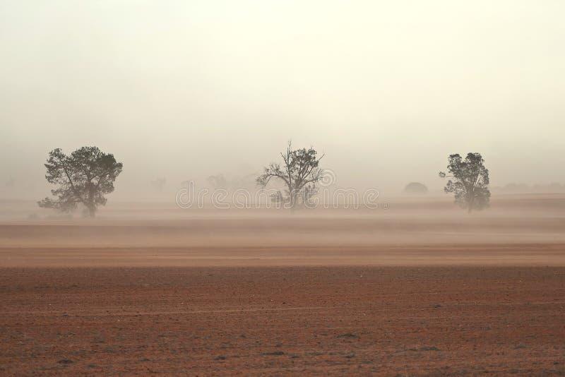 Staubsturm-Australier-Bauernhof lizenzfreie stockbilder