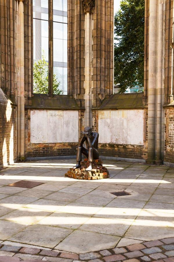 Staue przy St Nicholas kościół fotografia stock