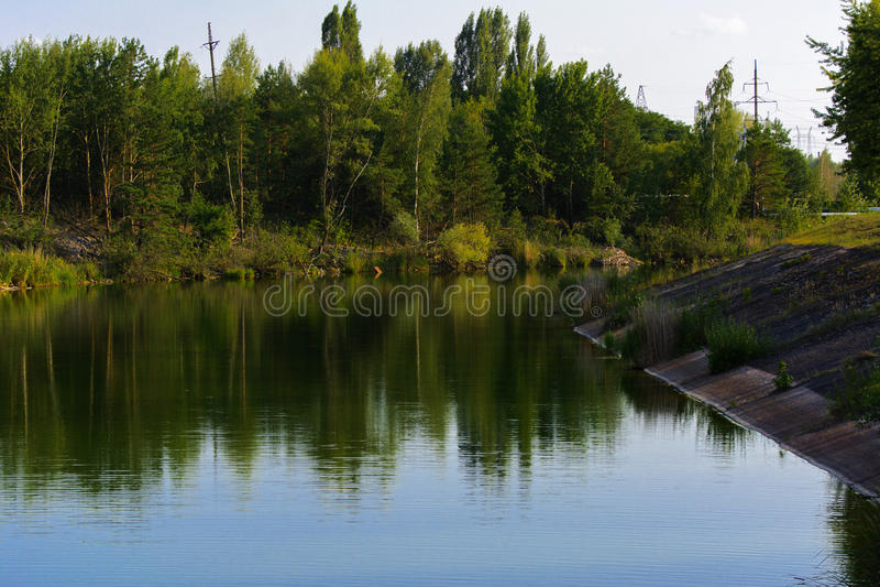 Stauen Sie Kühler des Atomkraftwerks Tschornobyls lizenzfreie stockfotografie