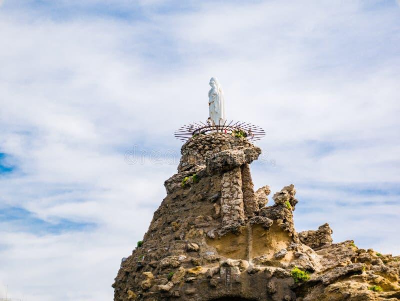 Staute av jungfruliga Mary på Rocheren de la Vierge, Biarrtiz, Basq royaltyfria foton