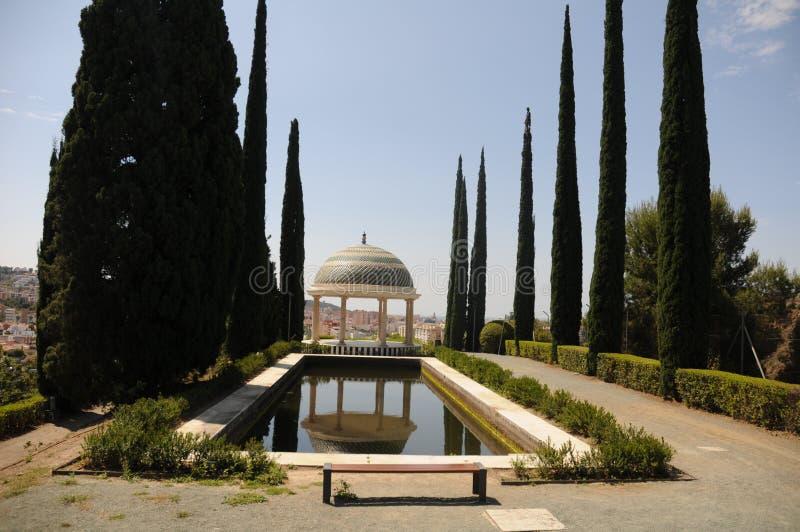 Staw i pawilon w Concepcion ogródzie botanicznym Malaga andalusia Hiszpania zdjęcie stock