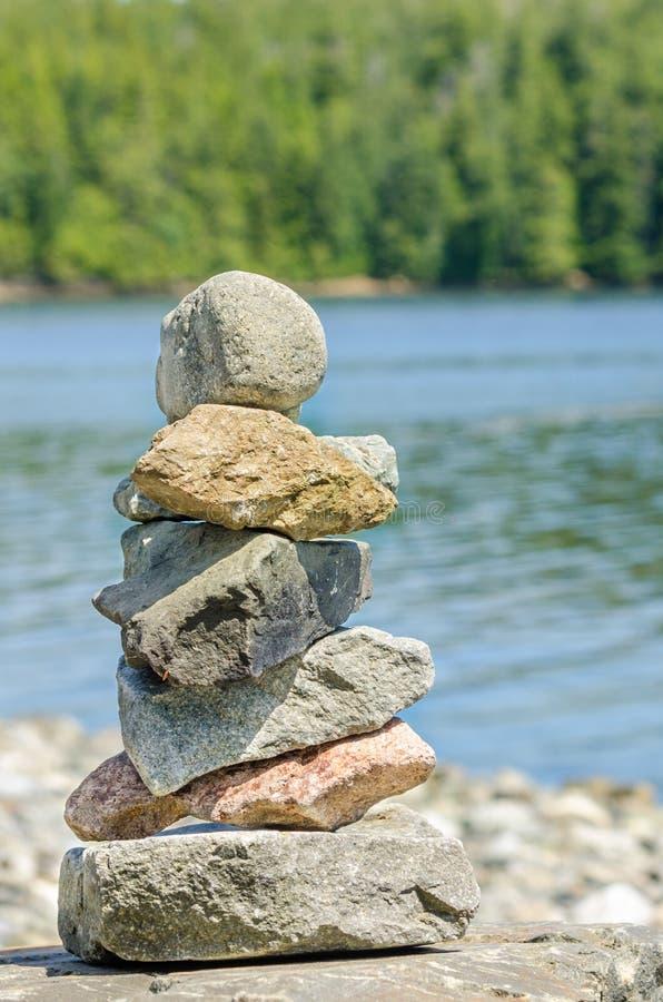 stawki zrównoważone kamienie zdjęcie stock