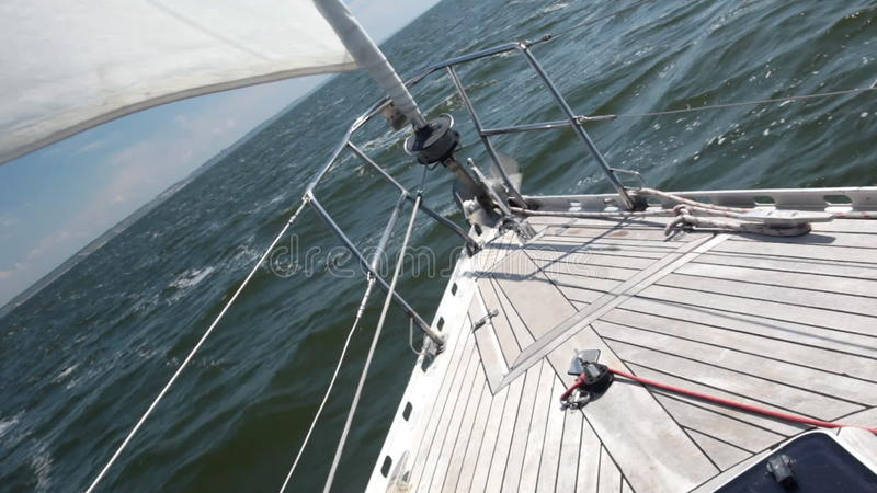 Staysail video estoque