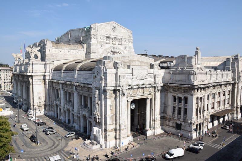 Stazione centrale a Milano, Italia fotografia stock libera da diritti