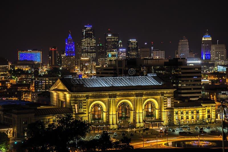 Stazione del sindacato, Kansas City, costruzioni, notte fotografia stock libera da diritti