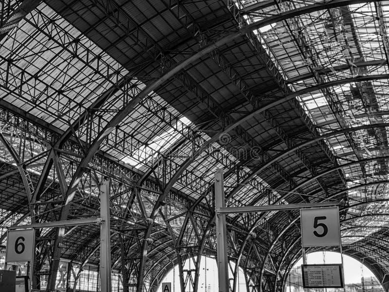 Stazione della Francia a Barcellona in bianco e nero fotografie stock libere da diritti