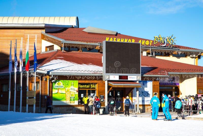 Stazione dello sci di Bansko, ascensore della cabina di funivia, Bulgaria immagine stock