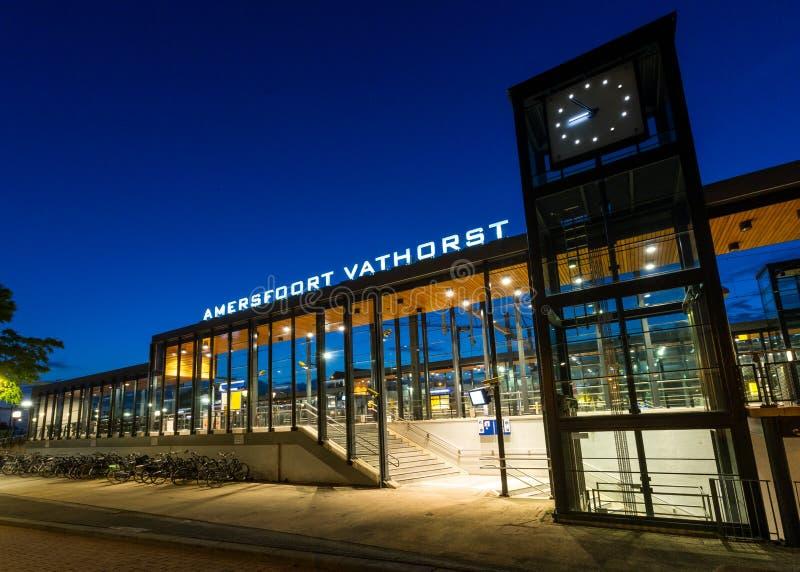 Stazione di Amersfoort Vathorst al crepuscolo fotografie stock libere da diritti