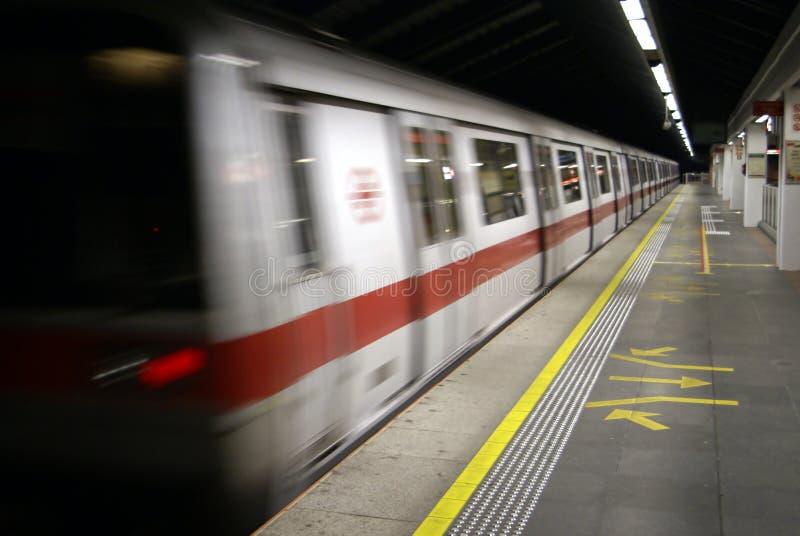 Stazione di metropolitana a tarda notte fotografia stock