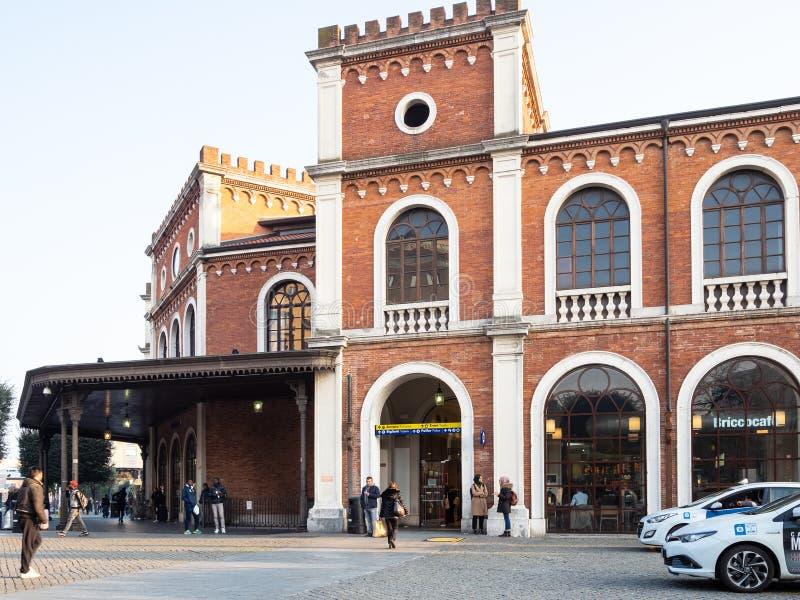 Stazione di Raiway nella città di Brescia fotografia stock libera da diritti