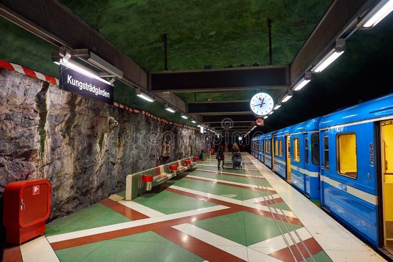 Stazione di Tunnelbana della metropolitana di Kungstradgarden, Stoccolma, Svezia immagini stock